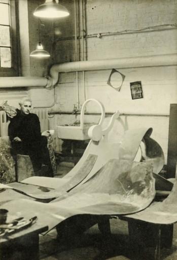 Derwent in Studio with sculpture